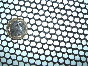 BLACK-1m-x-40cm-SEMI-RIGID-HD-HDPE-7mm-PLASTIC-MESH-SCREEN-FILTER-RIDDLE-BARRIER