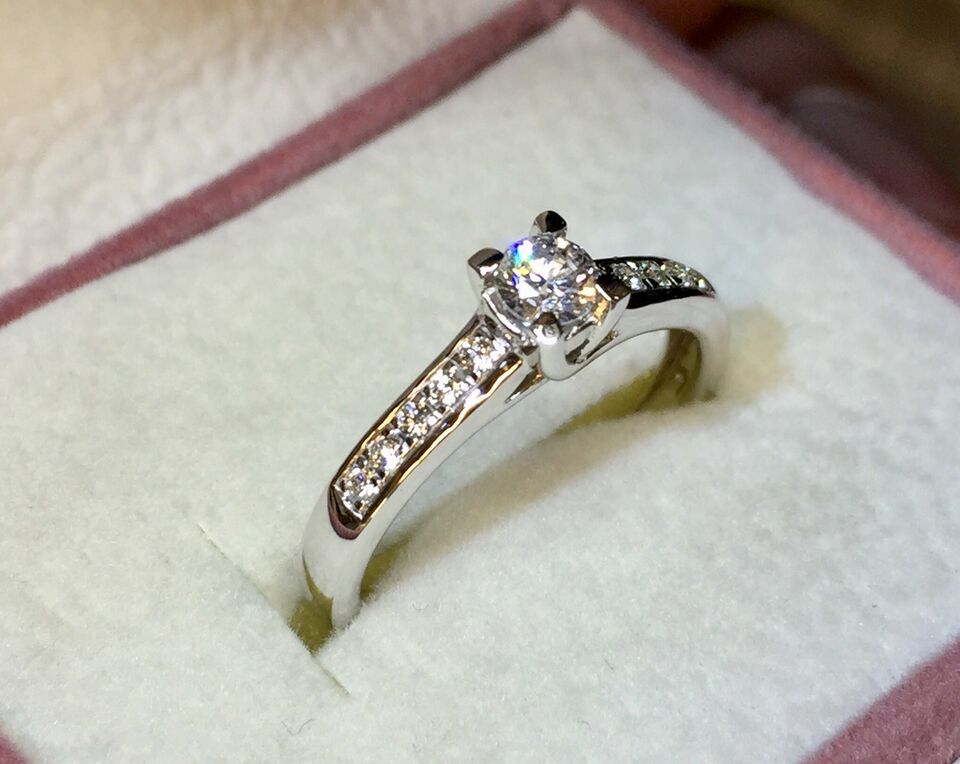 Ring, brillant, 585