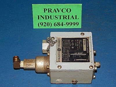 GE PRESSURE SWITCH CR127B402   10-300 PSI  30A  120-600 V Ac.
