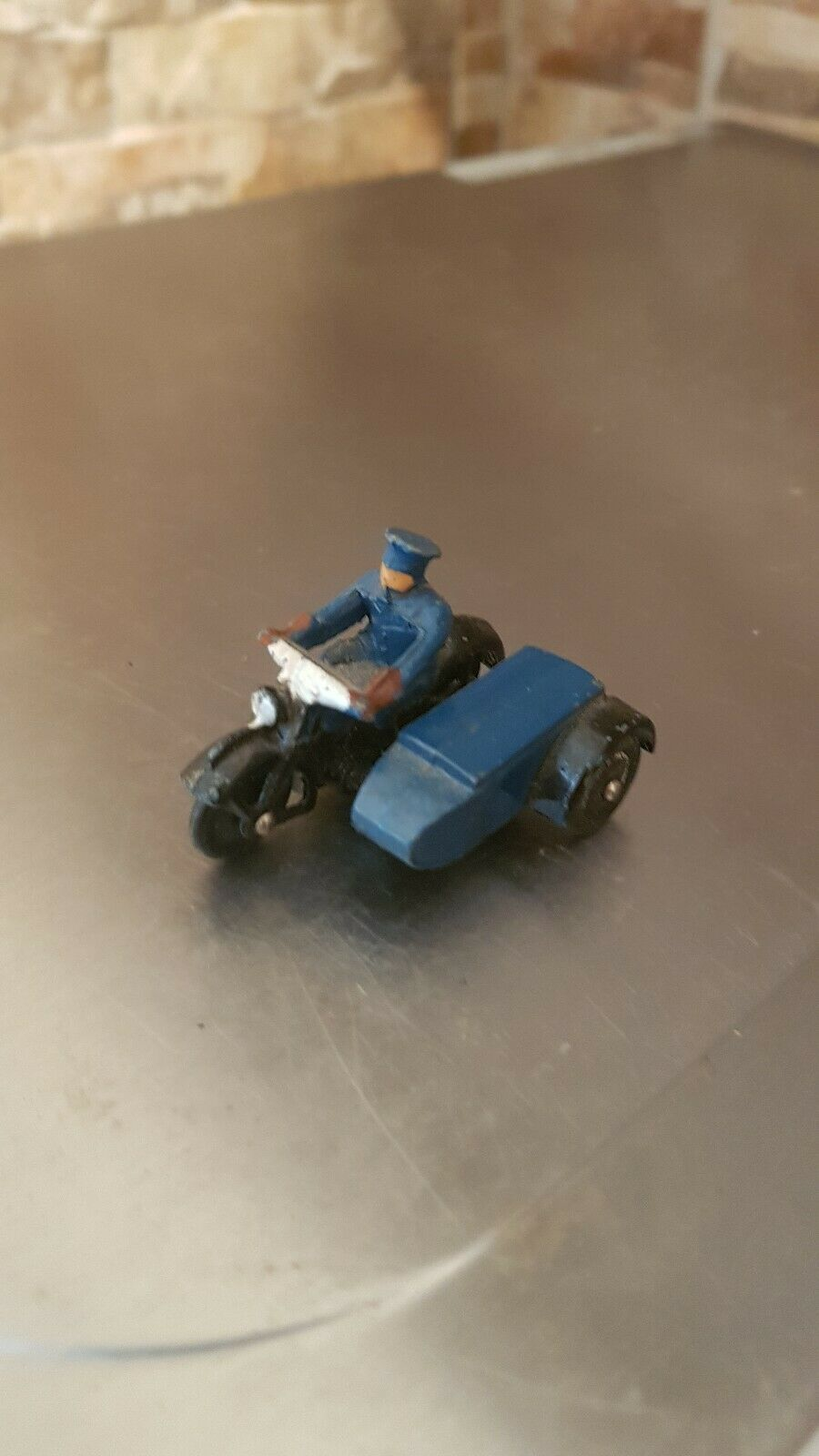 DINKY MOTORCYCLE AND SIDE CAR