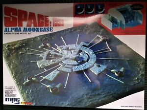 Space-1999-Moonbase-Alpha-MPC-Plastic-Model-Kit-New-Sealed-in-Box-Sci-Fi-TV