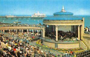 Vintage-East-Sussex-Postcard-The-Bandstand-Eastbourne-HL0