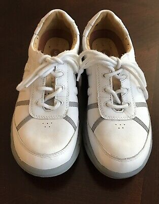 clarks women's unstructured white leather tennis casual