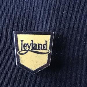 LEYLAND LORRY TRUCK COMMERCIAL LAPEL PIN ENAMEL BADGE EMBLEM