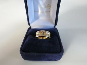 Yellow-gold-ring-with-diamonds