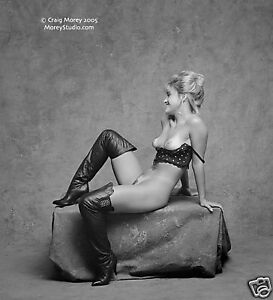 Black-amp-White-Fine-Art-Nude-signed-8-5x11-photo-by-Craig-Morey-Bunny-35857-04