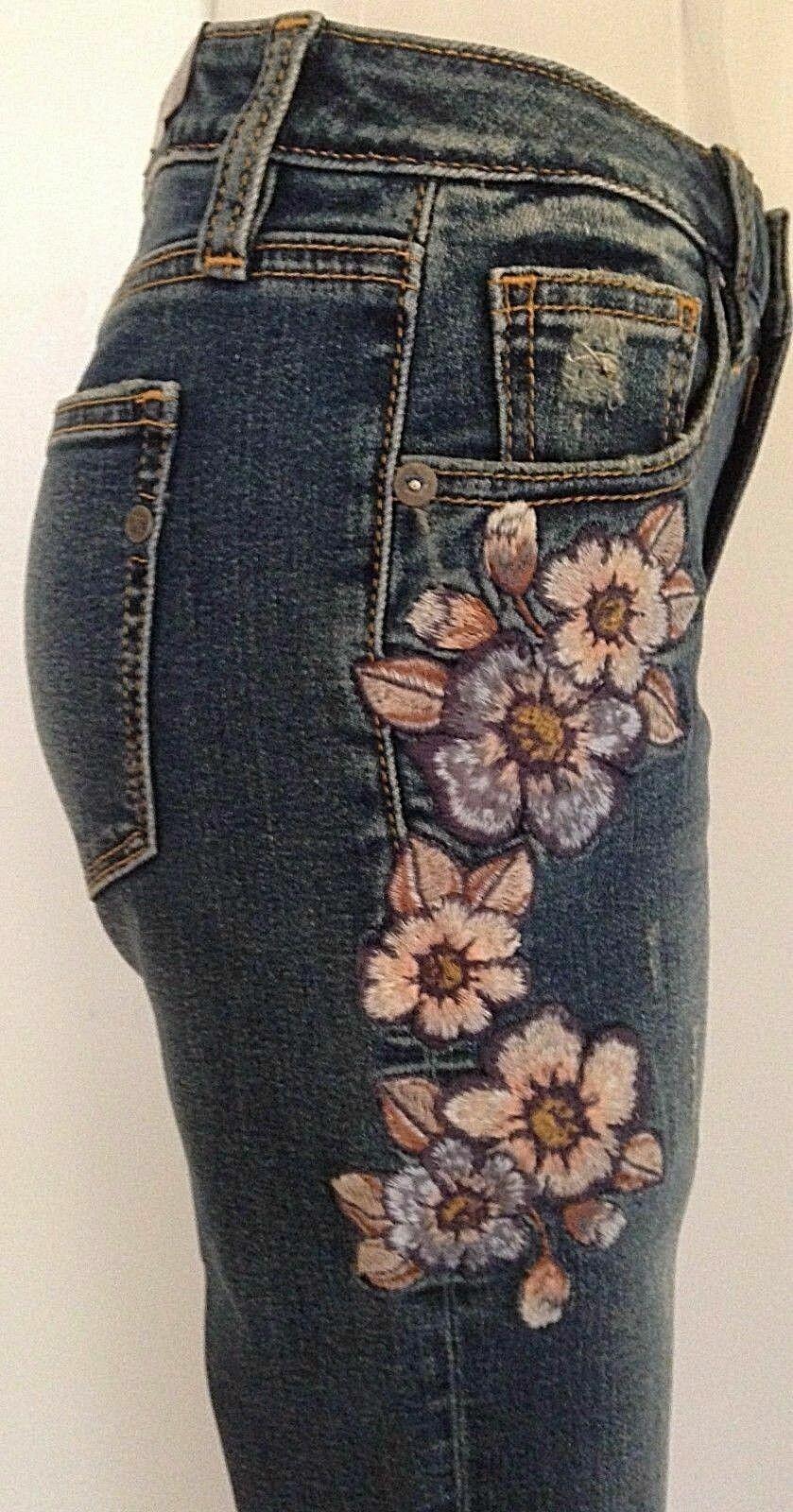 Miss Me Mid -Rise Ankle Skinny jeans NWT storlek 28 blombroderi