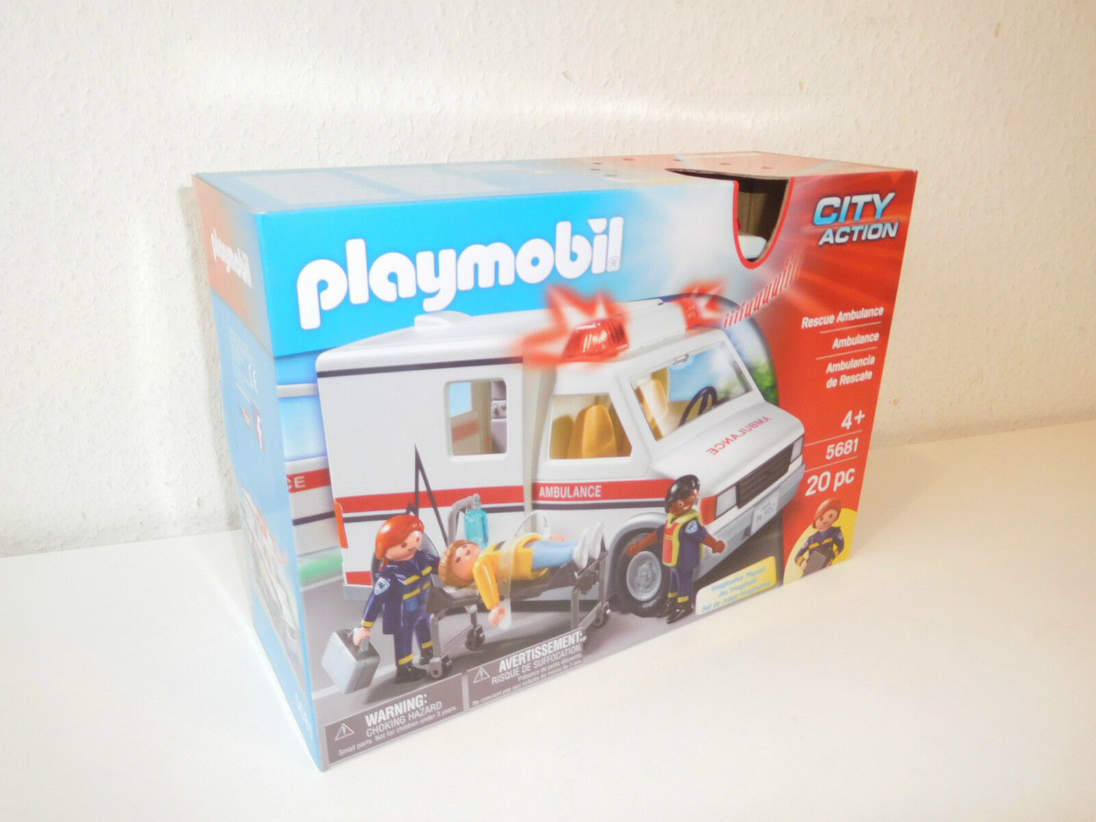 Playmobil USA limited set 5681 ambulance MISB