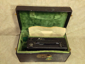 Cine-Kodak-Model-B-Movie-Camera-16MM-and-Case-Rochester-NY