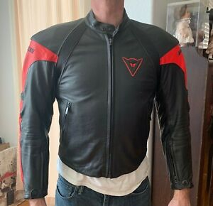 Vintage-DAINESE-Leather-Motorcycle-Jacket-Mens-Cafe-Racer-52-Red-amp-black