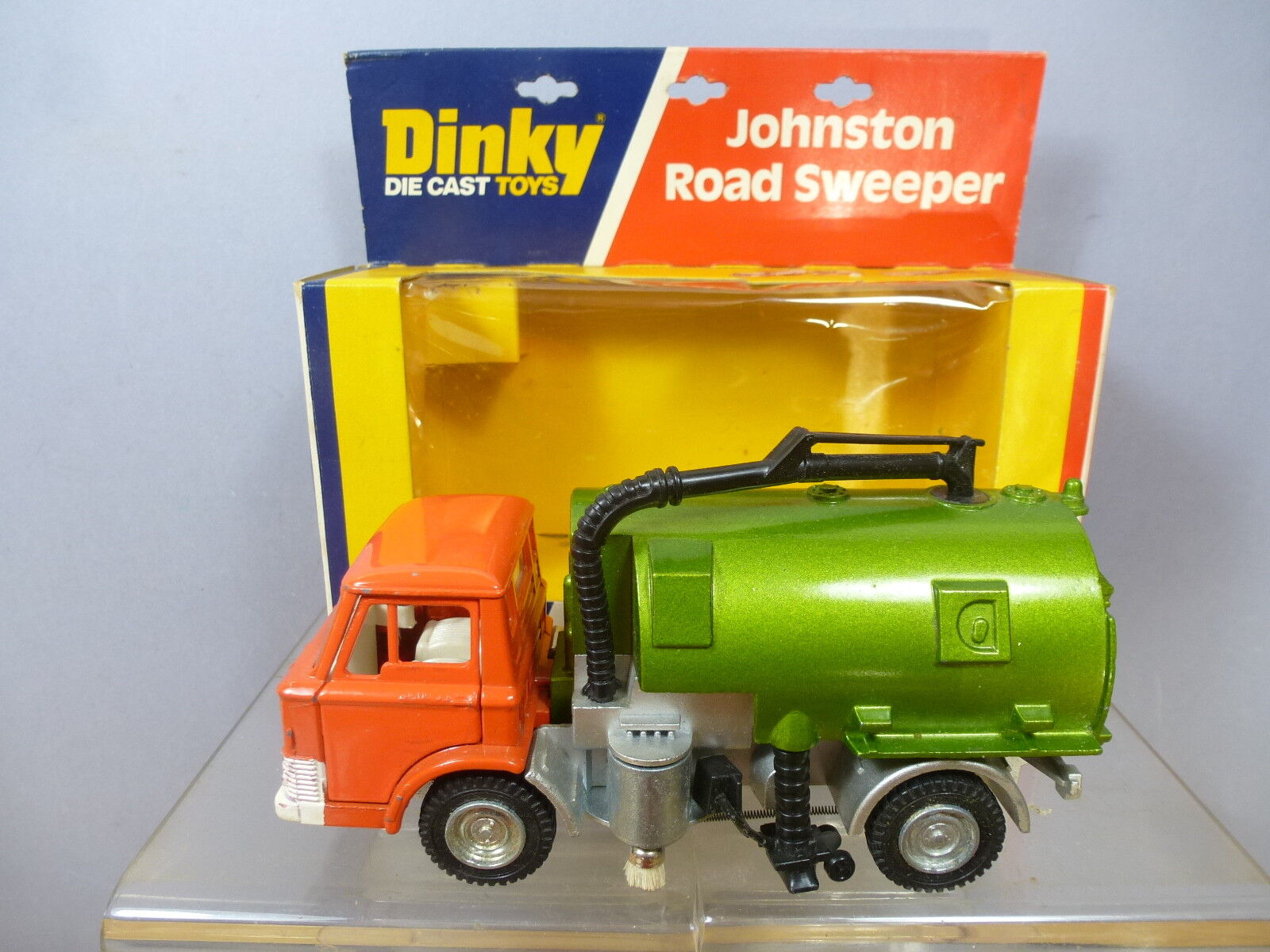 VINTAGE DINKY TOYS MODEL No.449  451   JOHNSTON ROAD SWEEPER  (2nd VERSION)  MIB