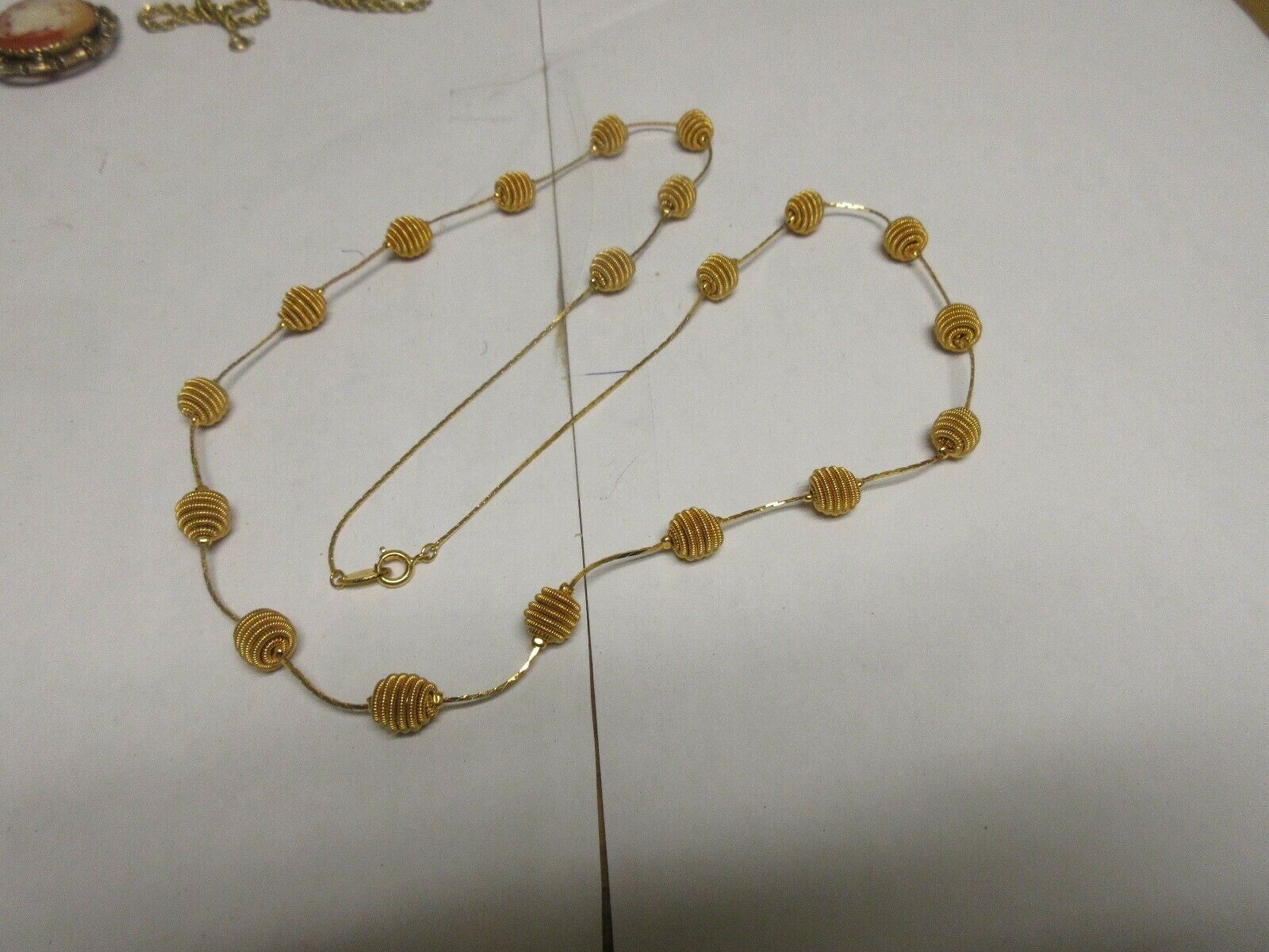 """Costume Jewelry , Vintage , Necklace , 30"""" . Gold/Gold"""