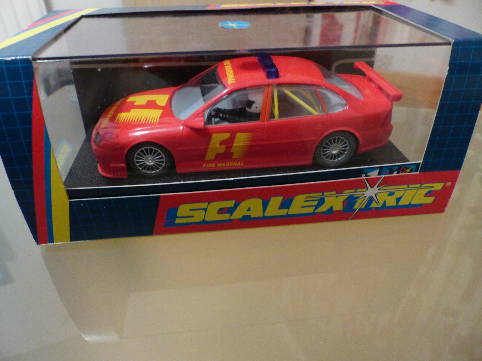 Scalextric VECTRA F1 Fire Marshal C2195 Rouge