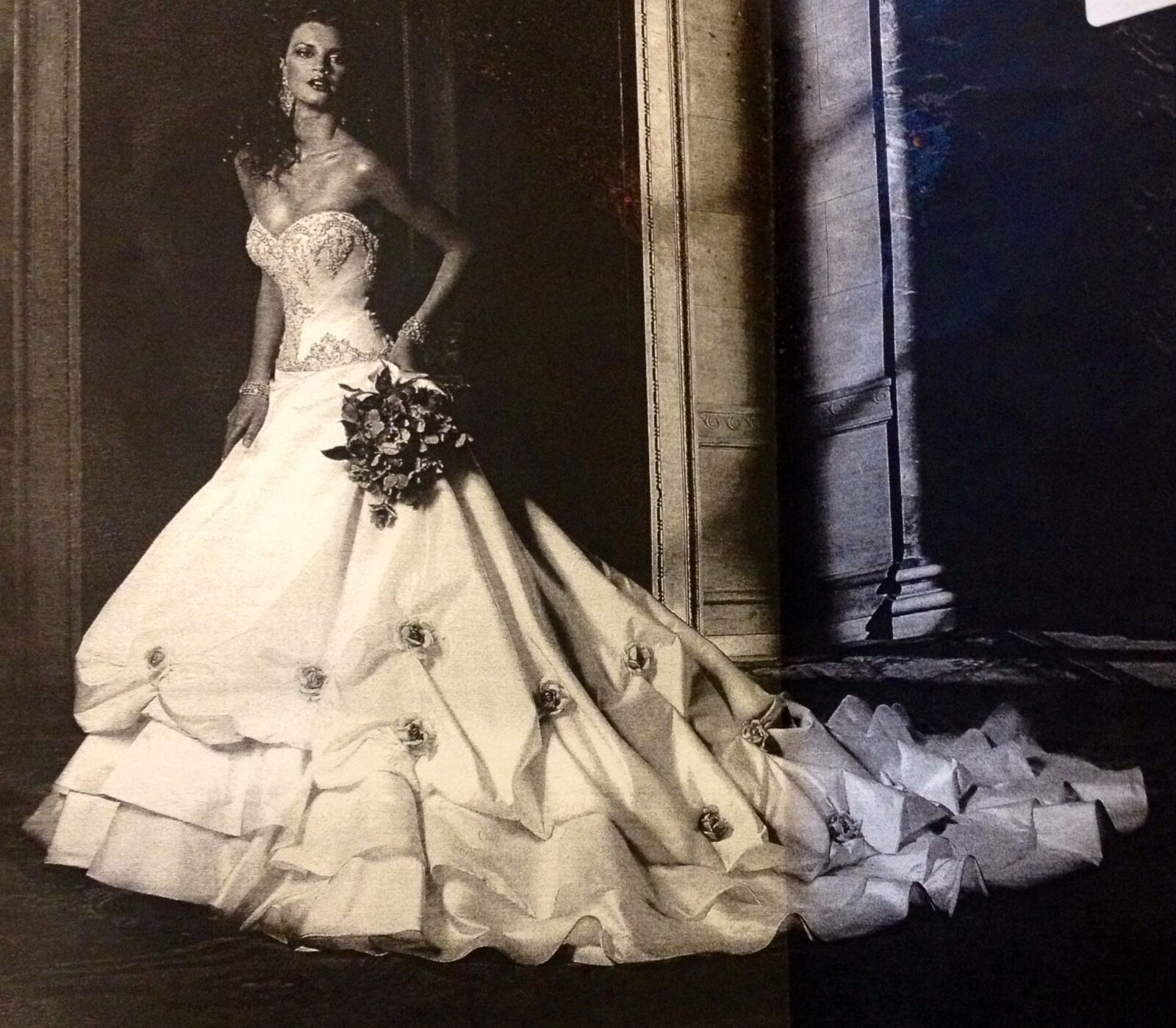 AUTHENTIC Eve Of Milady Couture Wedding Dress SIZE 4--MUST SEE!!!