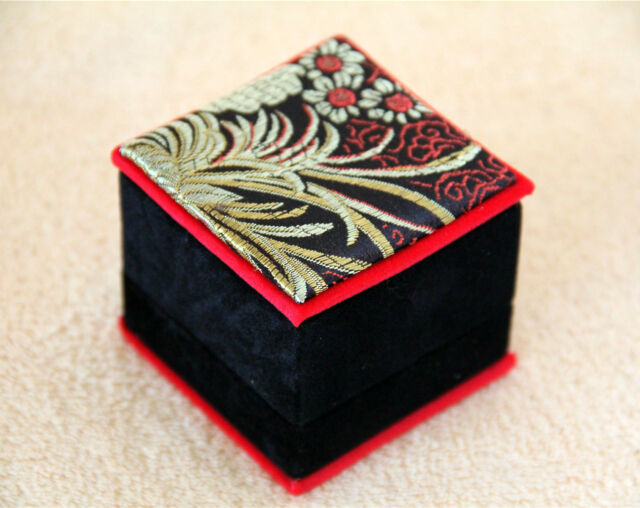 New 6x Velvet Jewellery Gift Box Case Ring Earring 6X6X5cm Wedding Party Elegant