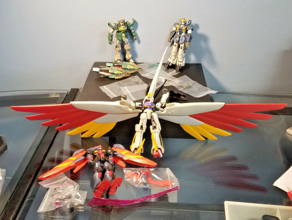 Gundam Lot of 4 loose figures and accessories - Rare figures   - 2002, 2003 Sa.S