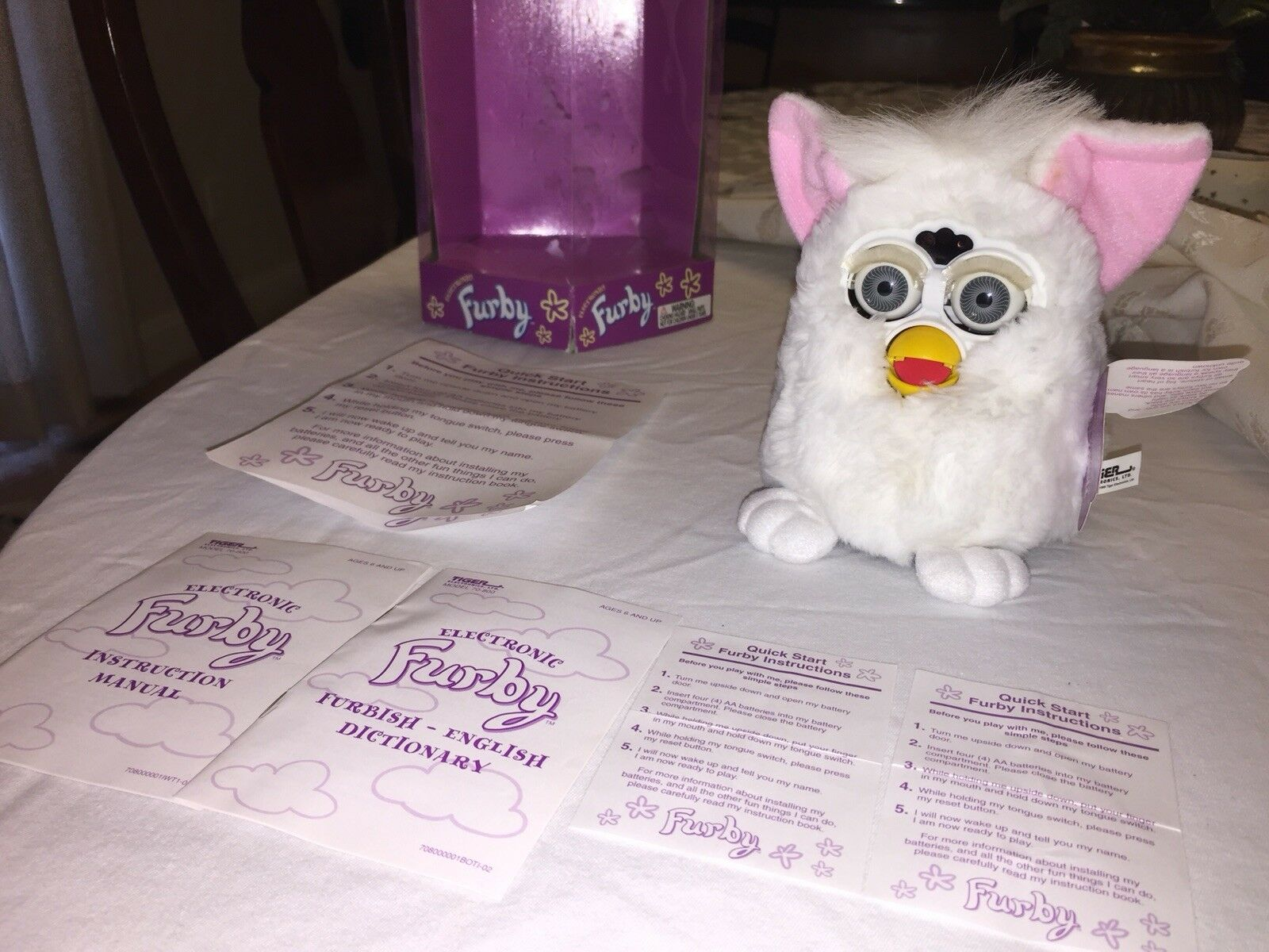 TIGER ELECTRONICS 1998 Edition Orig FURBY Model 70-800 IN ORIGINAL ORIGINAL ORIGINAL BOX 7b9897