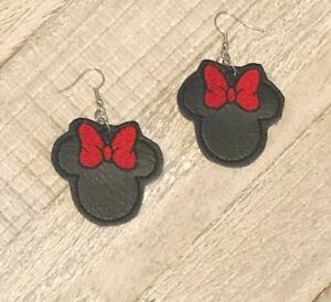 Minnie-Mouse-Earrings