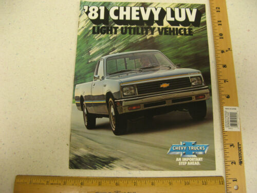 1981 81 Chevrolet Chevy LUV Light Utility Vehicle Pickup Truck Brochure 8 Pages