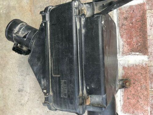 Toyota 4Runner Hilux Surf V6 Air Filter Cleaner Box Canister 1999 2000 2001 2002