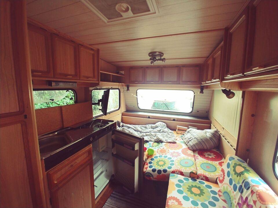 Øko bil + hyggelig LMC campingvogn til 5 prs