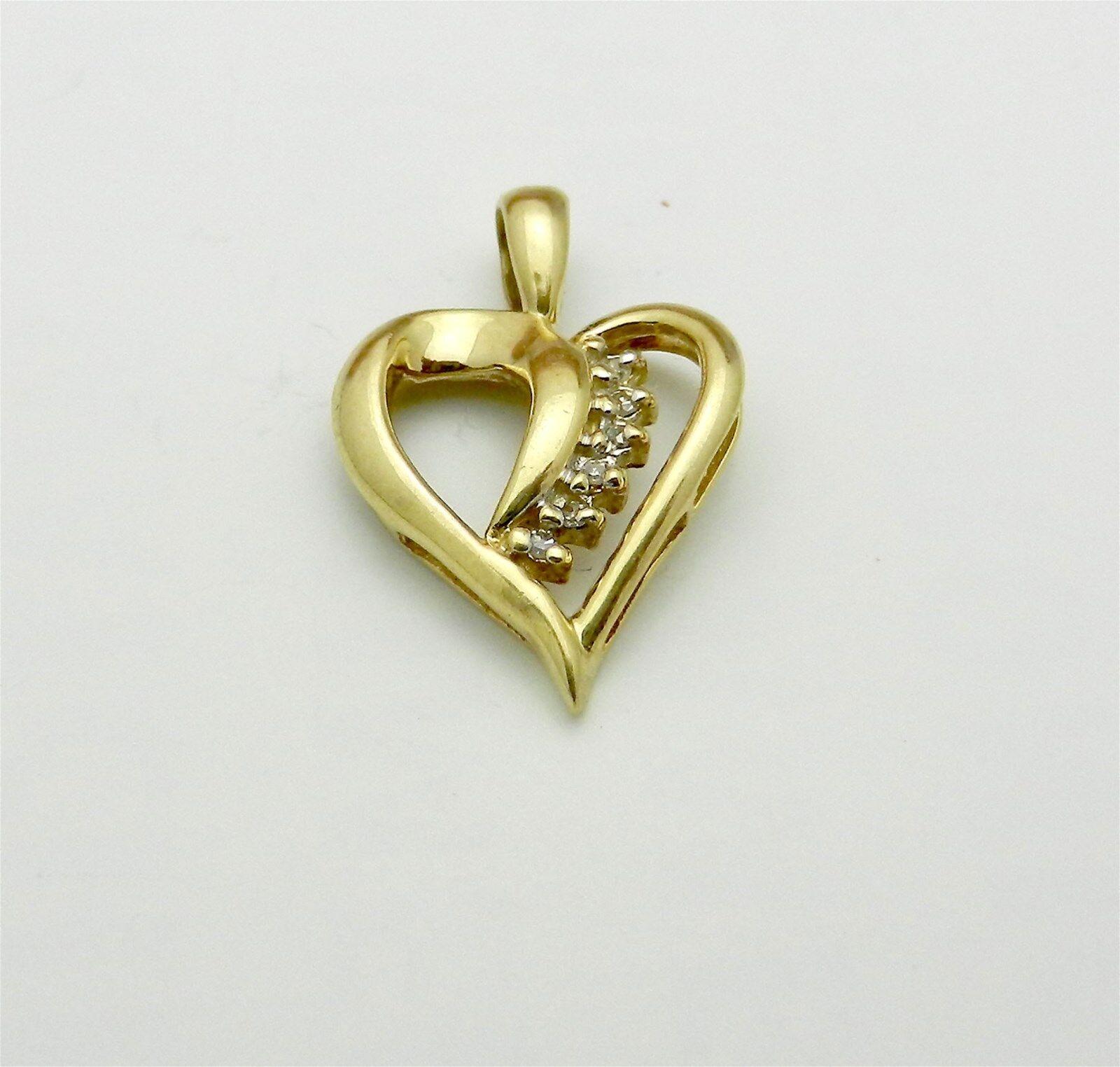 Estate 10k Yellow gold Genuine diamond HEART Charm Pendant