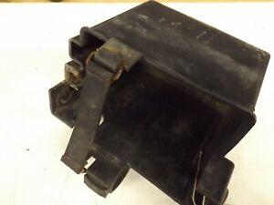 Yamaha-FZ750-1985-5-valve-battery-box