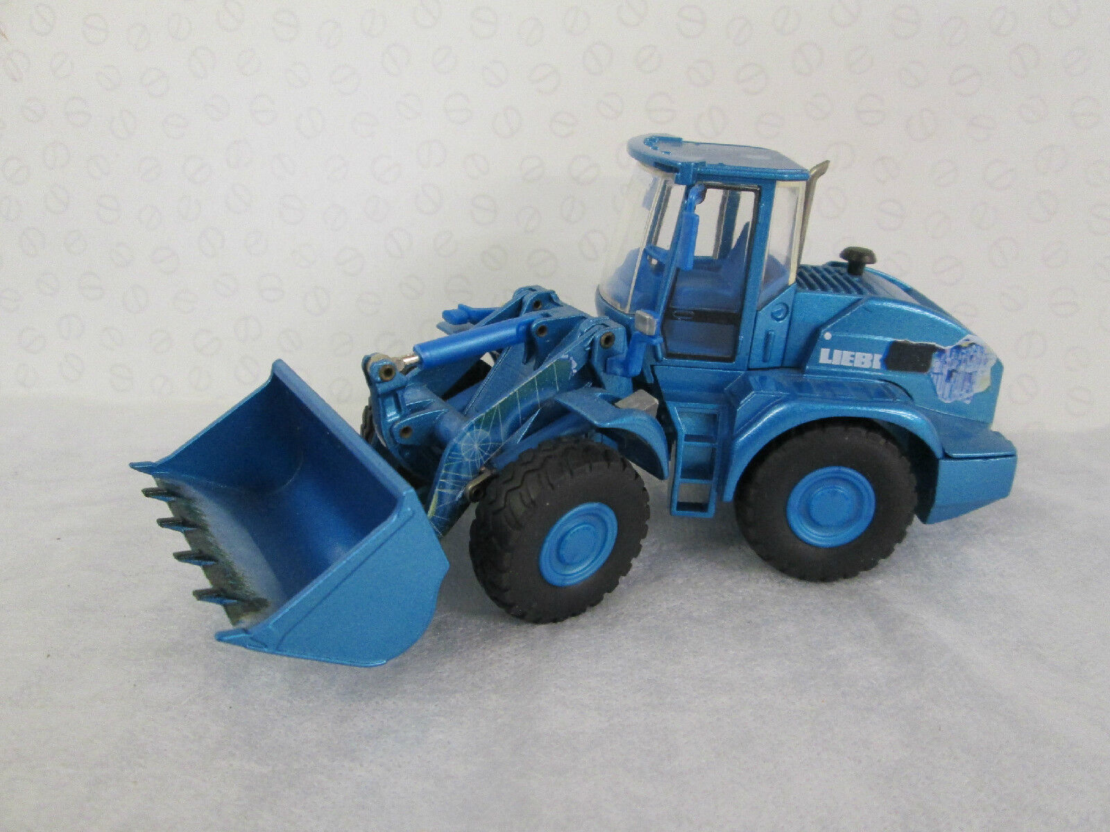 CONRAD. Liebherr Wheeled Loader L 538 in bluee 1 50 Scale. 2435 0