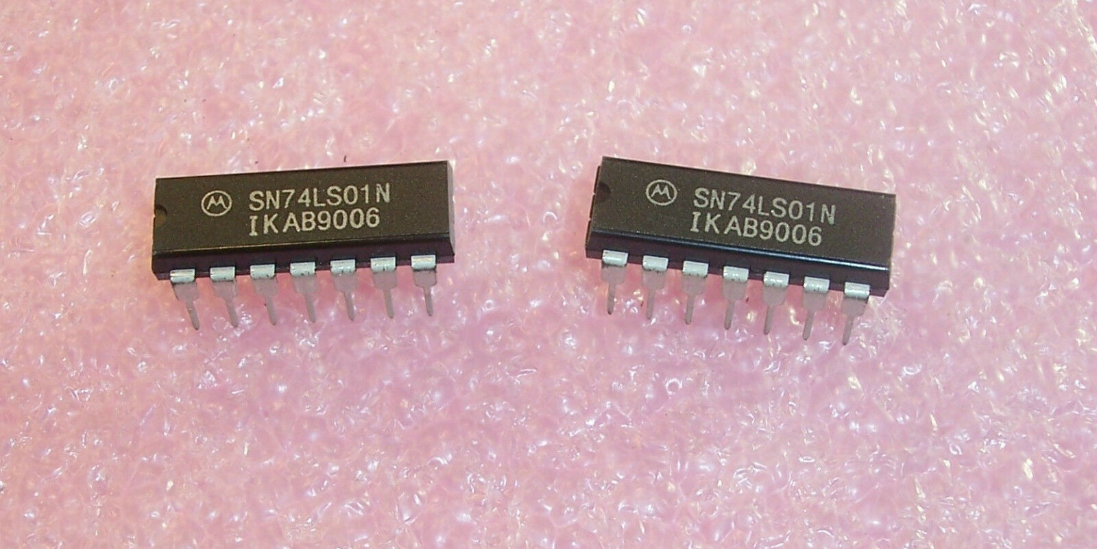 2 x sn74ls01n Quadruple 2-input Positive-NAND Gates with Open-TI dip-14 2pcs