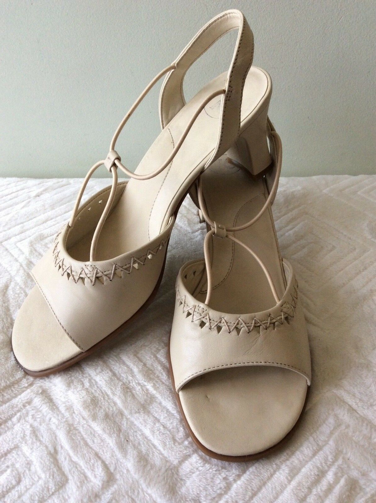 7b85bef04037 K by CLARKS real leather ladies beige sandal size 5 38