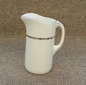 Ancien pot à eau et bassine de toilette liseré doré déco sdb ...