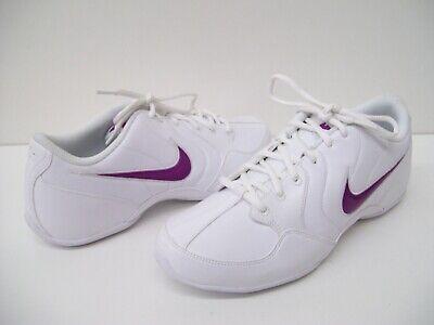White Nike Musique III SL