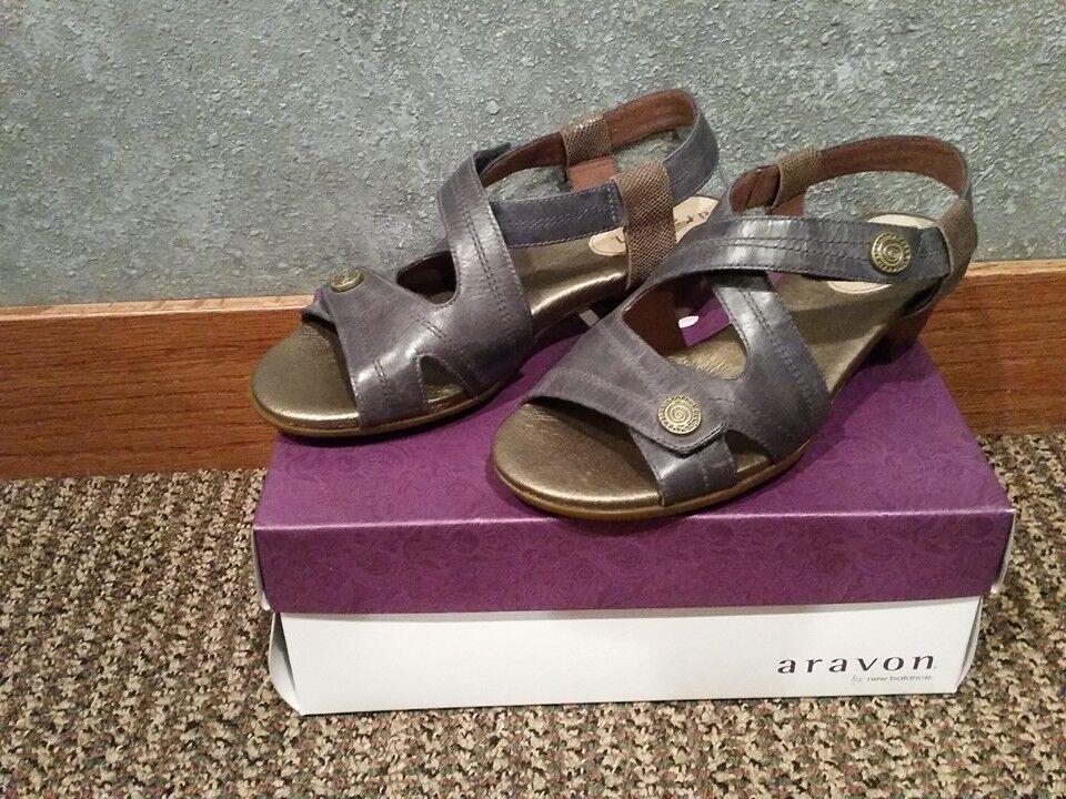 NIB Aravon Wouomo Sonia Strappy Heel Navy Bronze Dimensione 11 Medium