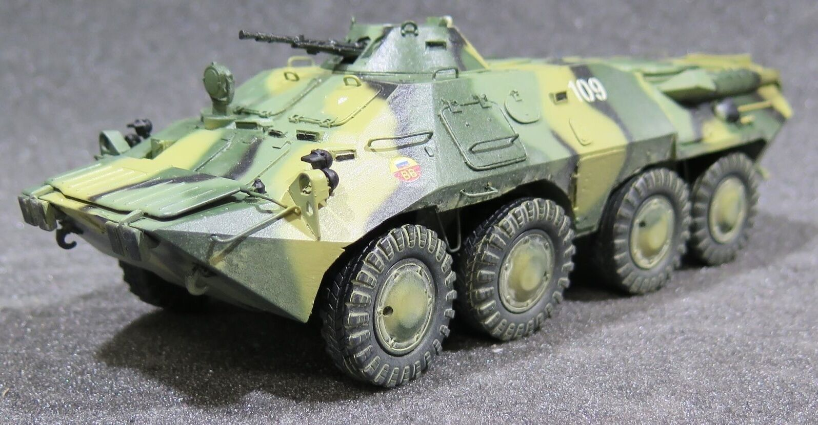 MI0567 1 35 PRO BUILT Resin Hobby Planet Soviet APC Based on KNSh Universal Cha