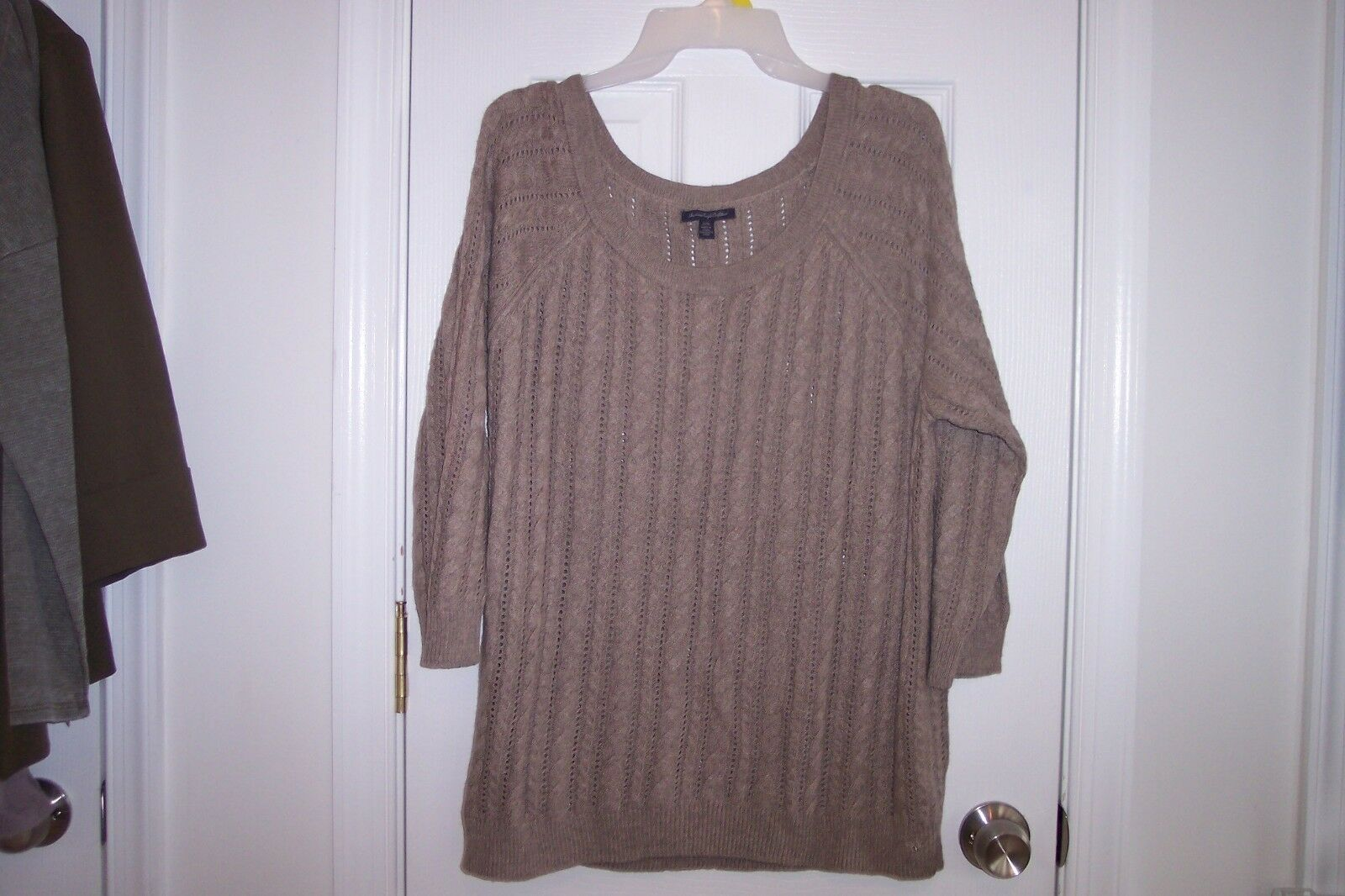 NEW Womens American Eagle XL Taupe 3 4 Sleeve Lightweight Sweater