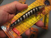 Bagley Fishing Lure 1/4 Oz 4 Diver 0-1.5 Ft. Black Stripes 21441 Red Hooks