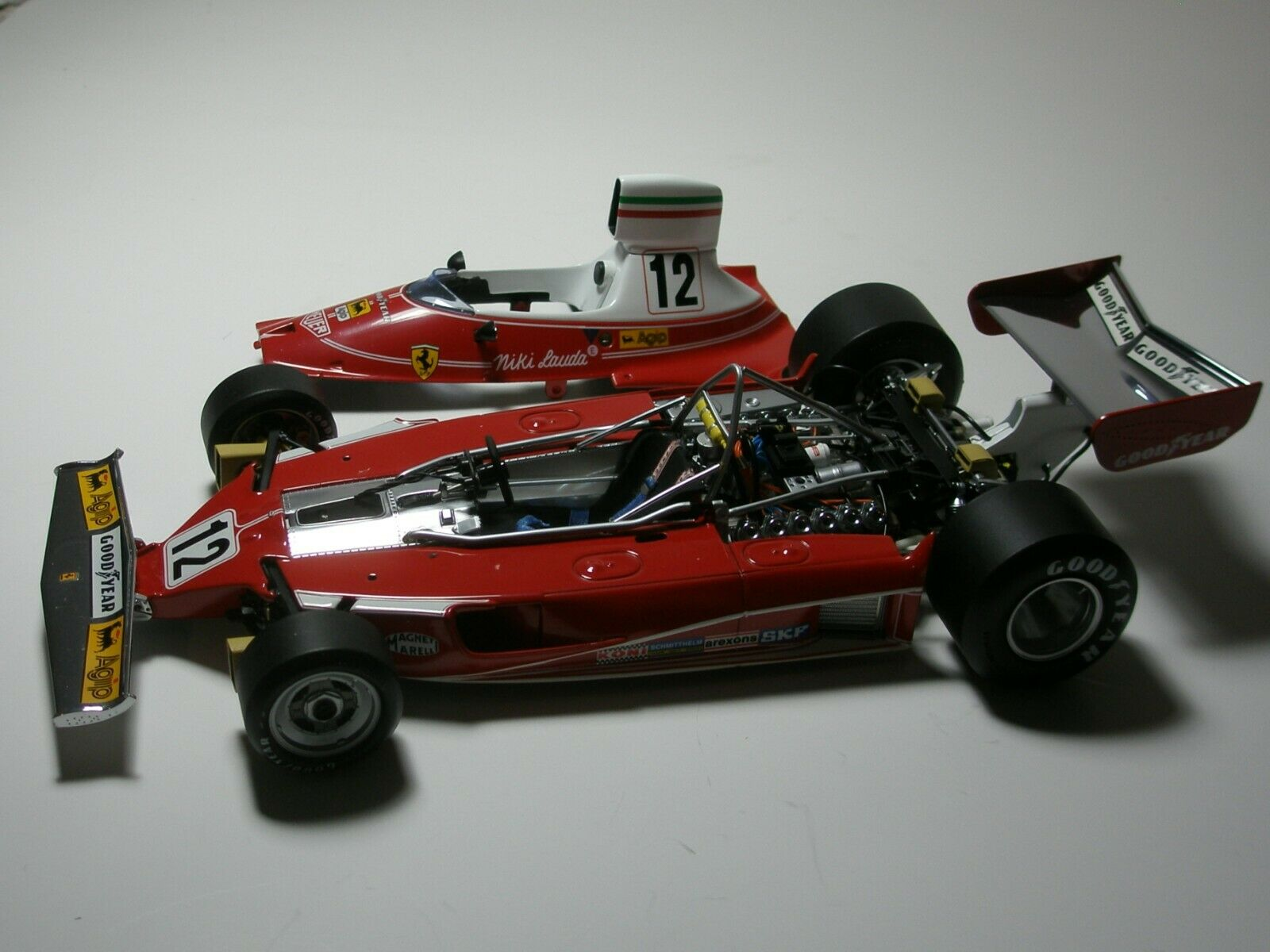 1 18 EXOTO FERRARI T 1975 - NIKI LAUDA(WORLD CHAMPION)