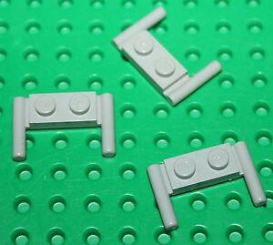 """Lego OldGray 3 Plates 1x2 with Handles ref 3839/set 920.6931.10030.1593.6880 - France - État : Occasion : Objet ayant été utilisé. Consulter la description du vendeur pour avoir plus de détails sur les éventuelles imperfections. Commentaires du vendeur : """"Occasion en trs Bon état général"""" - France"""