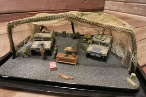 Vintage RARE Built Military Model With Figures Display Case - Bluffton, Indiana, United States - Vintage RARE Built Military Model With Figures Display Case - Bluffton, Indiana, United States