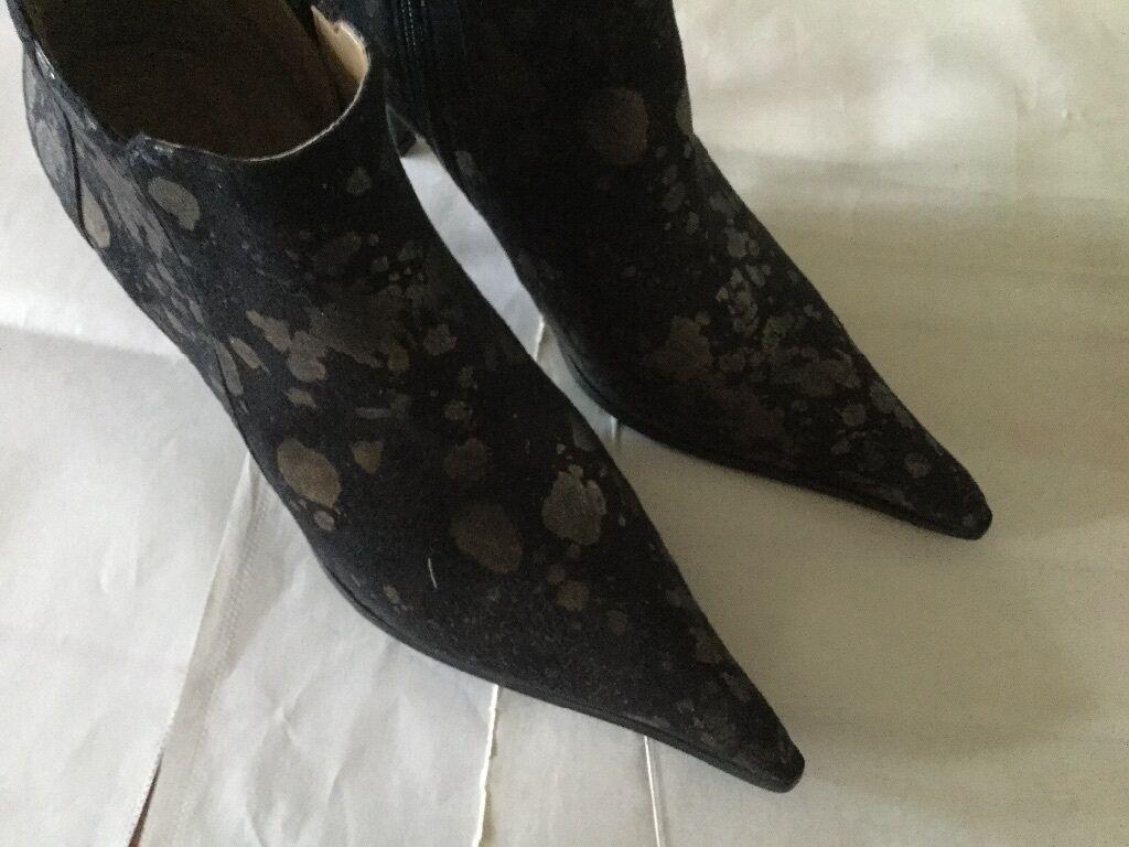 7fc7d542be9123 ... En Mode PELE Noir Bottines en daim taille taille taille 5 avec talon  haut NEUF ...