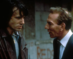 Daniel-Day-Lewis-in-the-name-of-the-Father-1036105-8x10-foto-o-POSTER