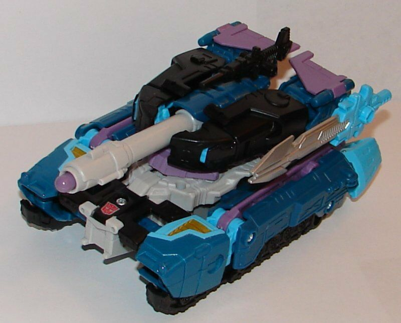 Transformers Generations DOUBLEDEALER Complete 30th Anniversary Voyager Tank