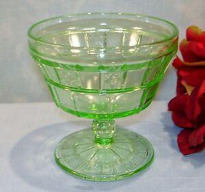 Jeannette-Doric-Green-Depression-Glass-Sherbet