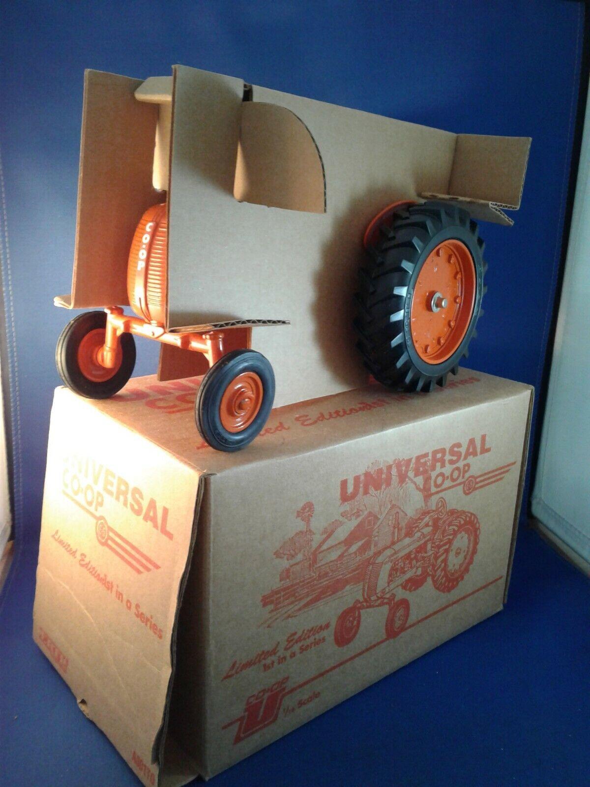 Universal Co-op No.2 tracteur ERTL Spec Cast encore emballé dans boîte d'origine 1 16