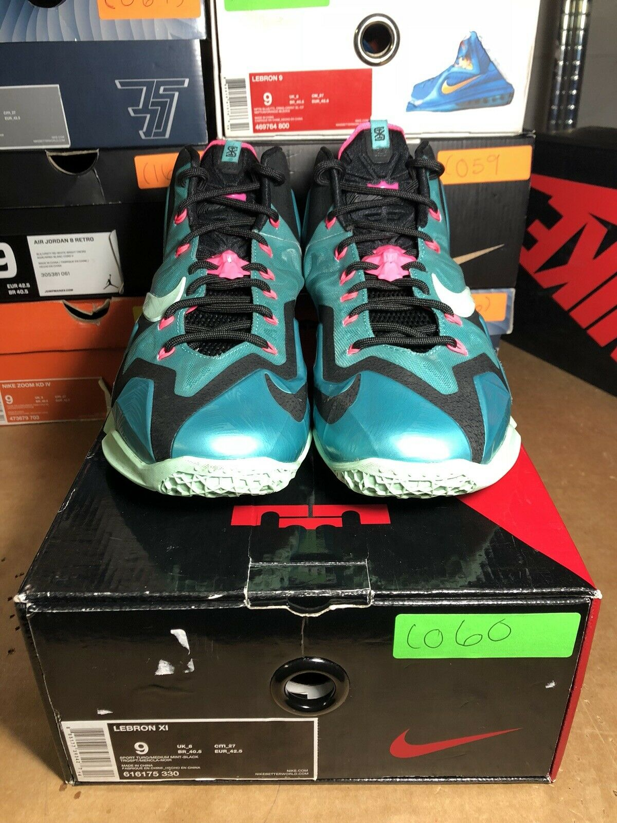 100% Authentic Nike Lebron  11 South Beach Size 9 Worn 616175 330