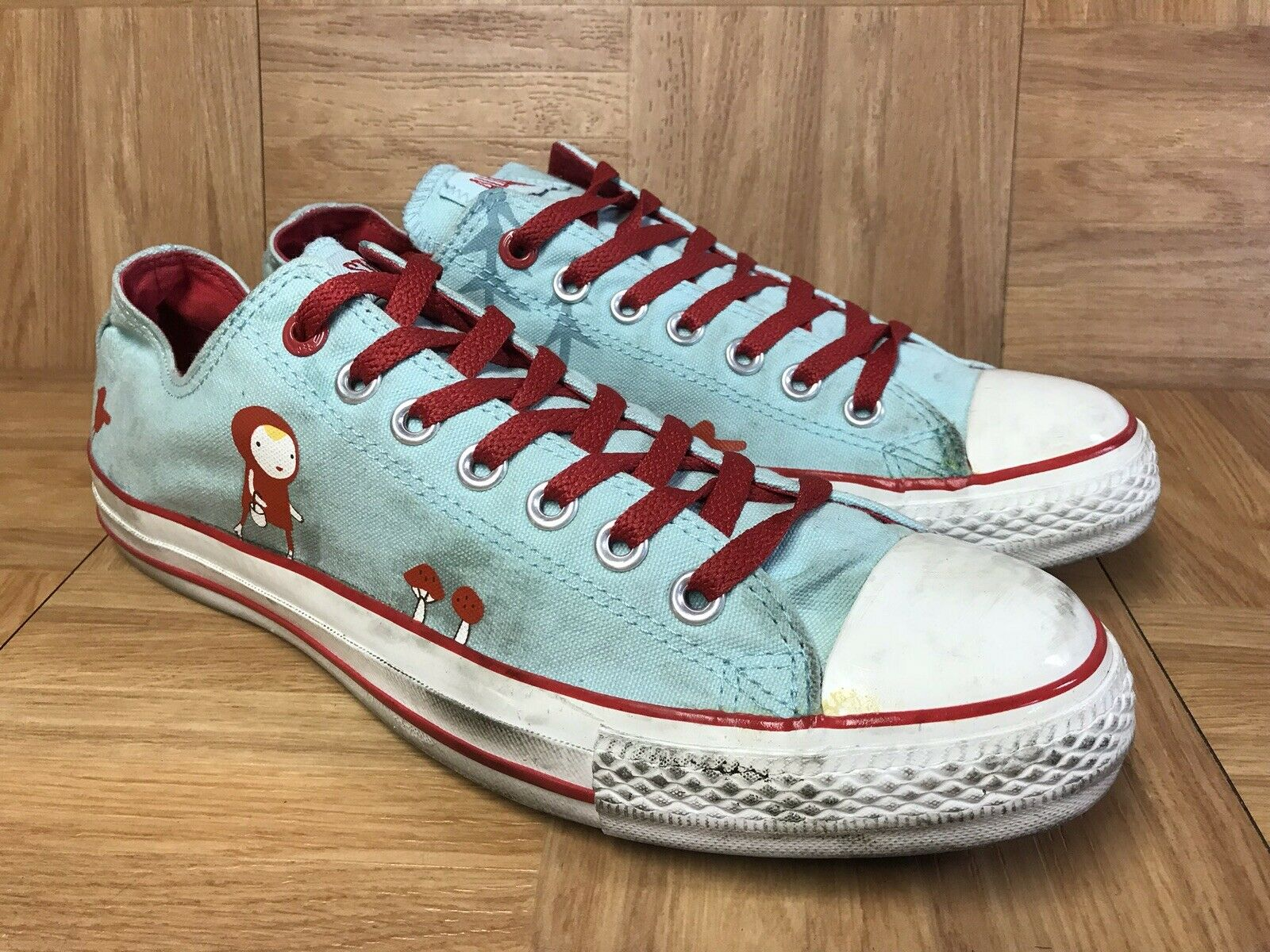 RARE Converse Chuck Taylor All Star Camilla ENgman Lil Red Riding Hood Sz 10