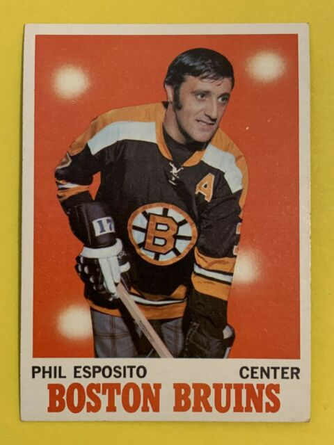 1970-71 TOPPS  Phil Esposito #11 Boston Bruins HOF Nice card!