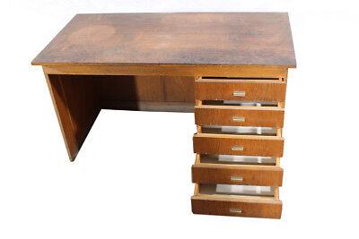 Alter Schreibtisch Holz 2021