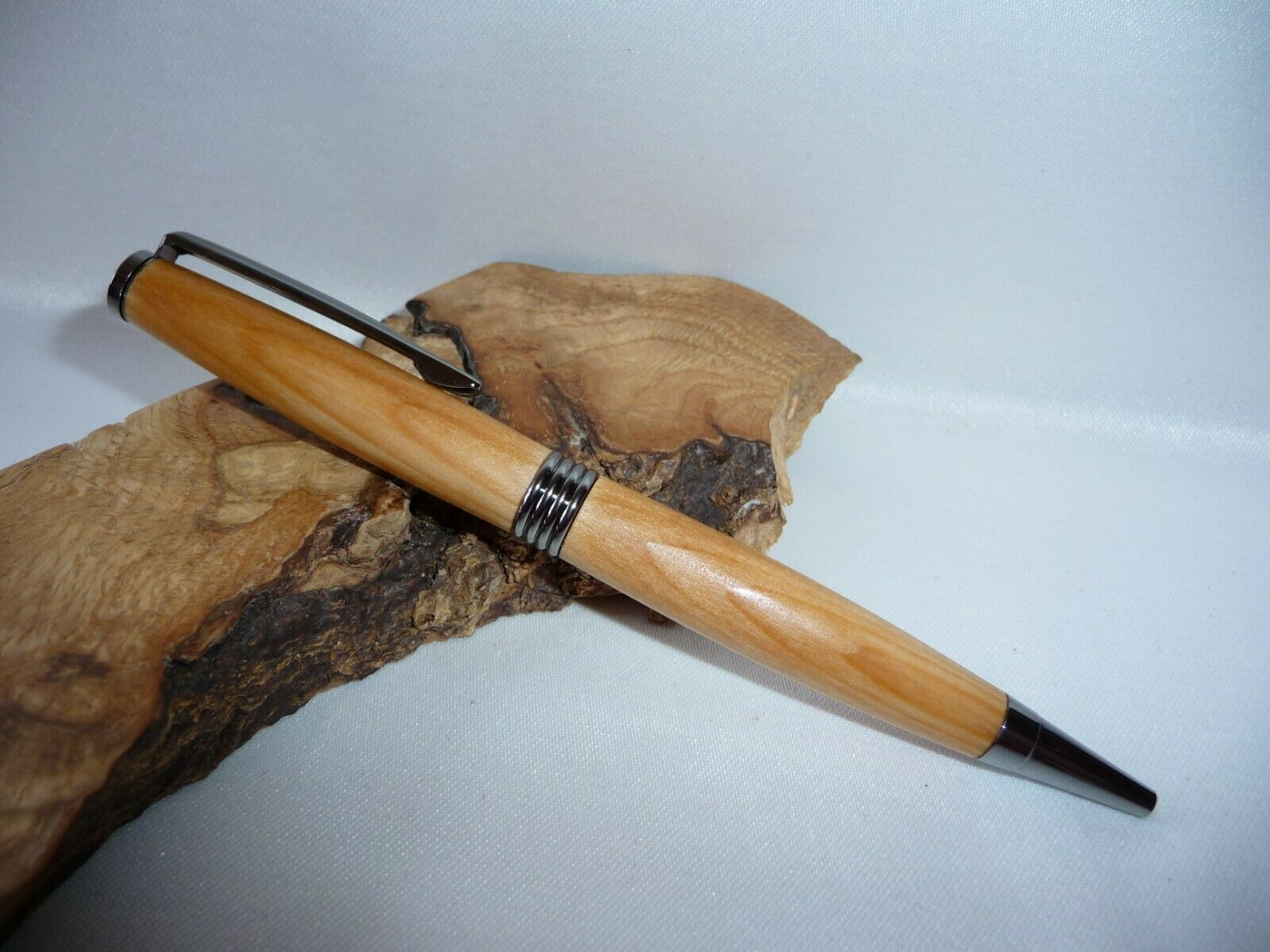 Zeder-Holz Kugelschreiber UNIKAT Handgedrechselt Schreibgerät Holz Stift Pen | Attraktive Mode