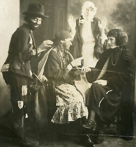 VINTAGE-EDWARDIAN-HALLOWEEN-HOBO-AMERICAN-DRUM-RED-RIDING-HOOD-FORTUNE-OLD-PHOTO